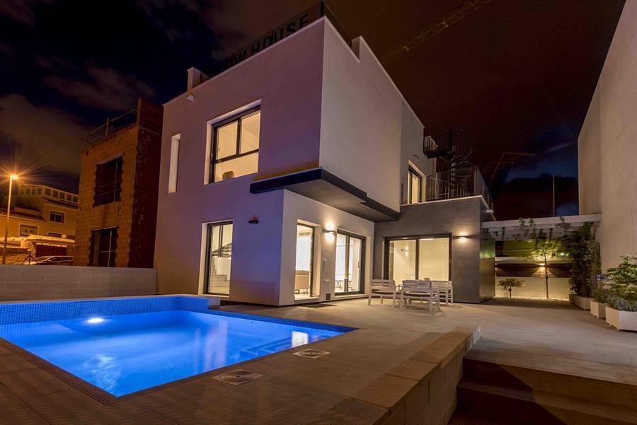 Ref:PPS20245C Villa For Sale in Villamartin