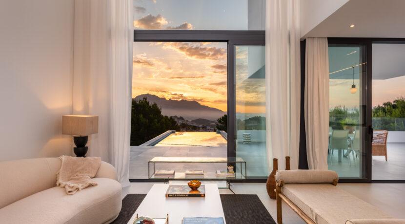 20 - Venecia III - living room and ext view