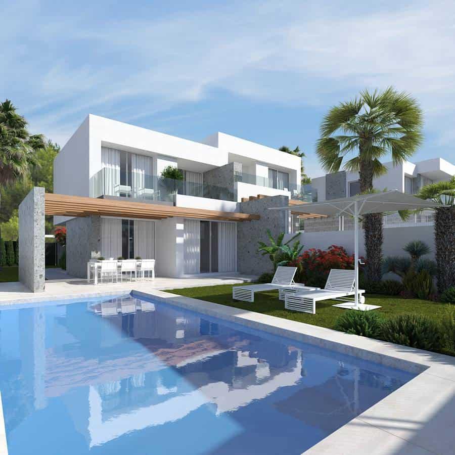 New Modern 3 Bedroom Townhouses