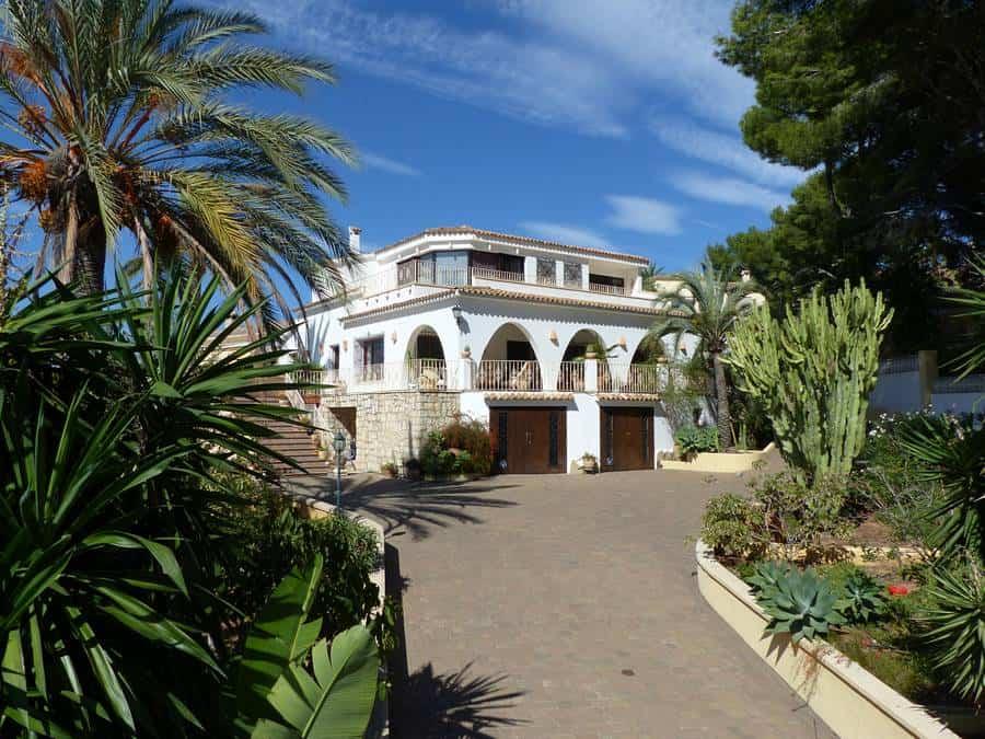 Magnificent 4 Bedroom Villa – Moraira