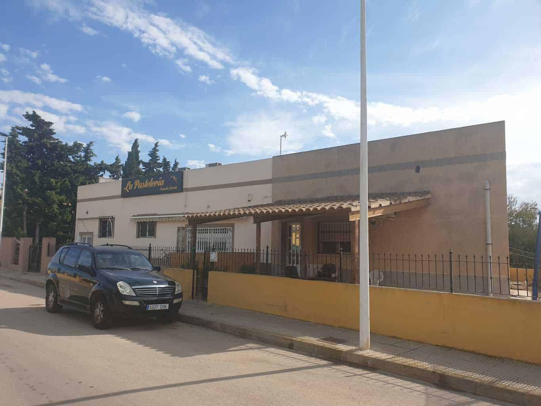 3 Bedroom Villa with Bakery and Shop – Los Alcazares