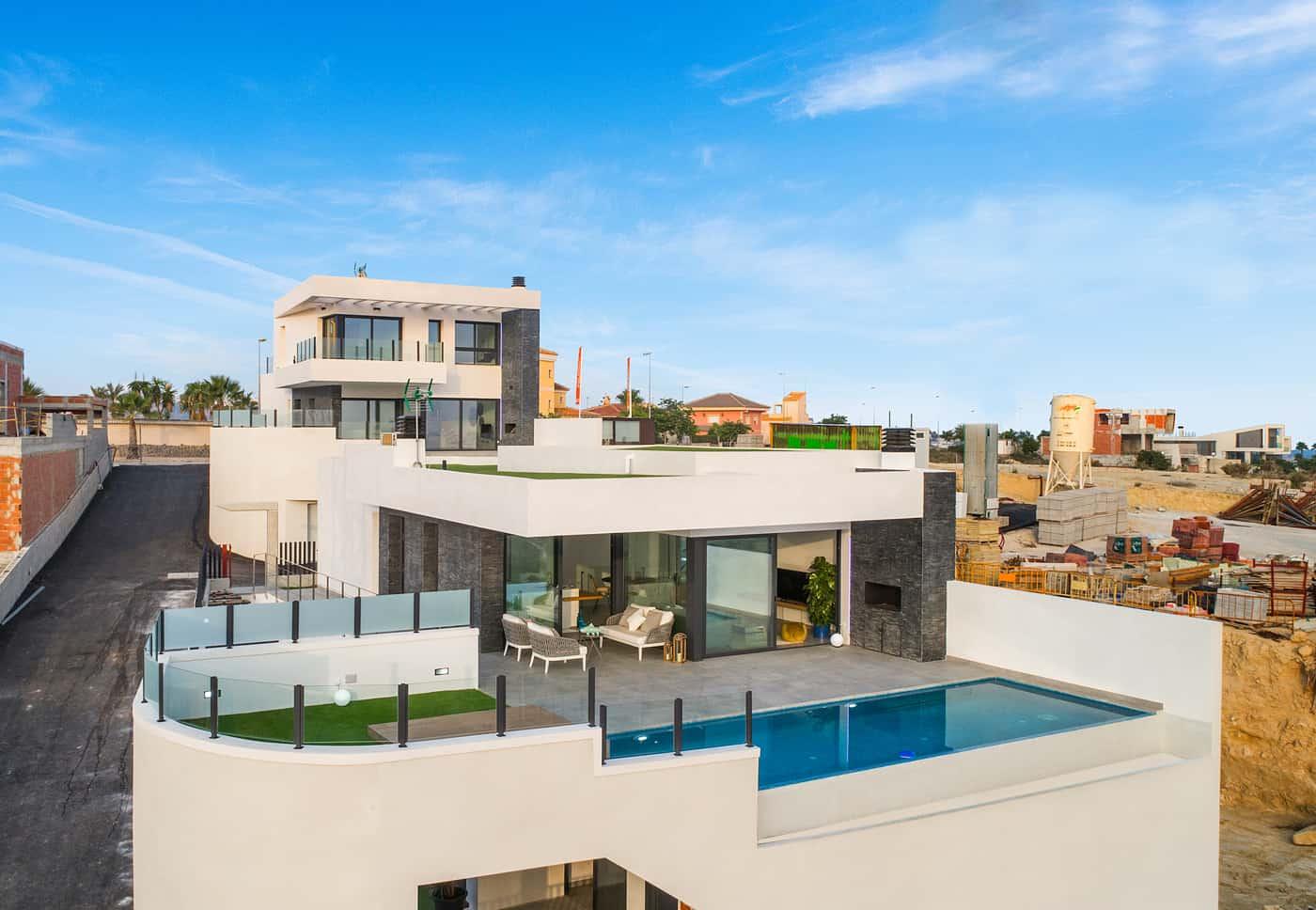 Stunning New 3 Bedroom Villas – Quesada